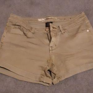 Earth green Jean shorts